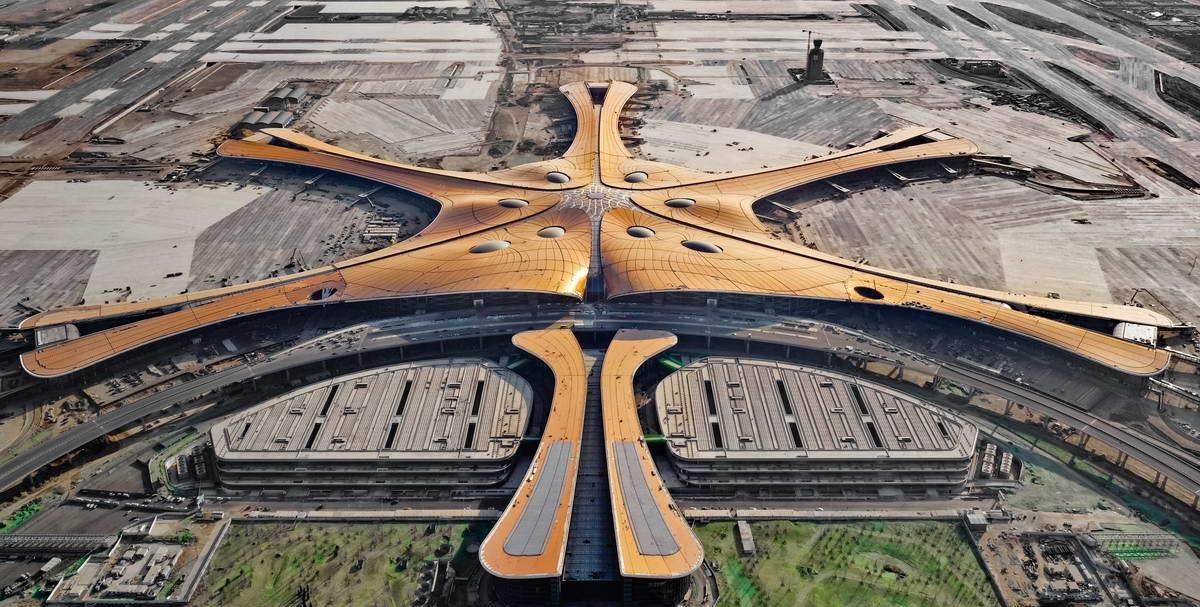 阿米纳彩涂板70个工程案例,致敬中华人民共和国成立70周年